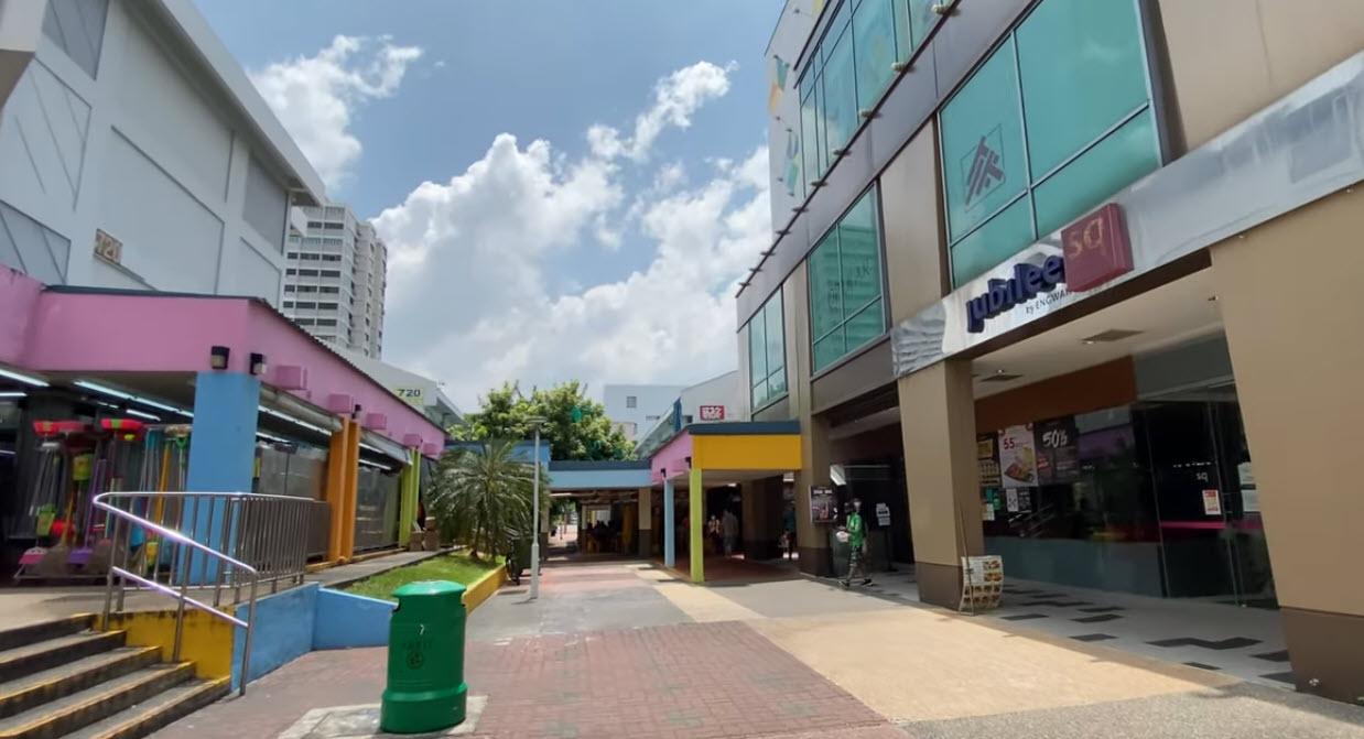 Many Amenities and Restaurants at Belgravia Ace Landed Property Near to Djitsun Mall